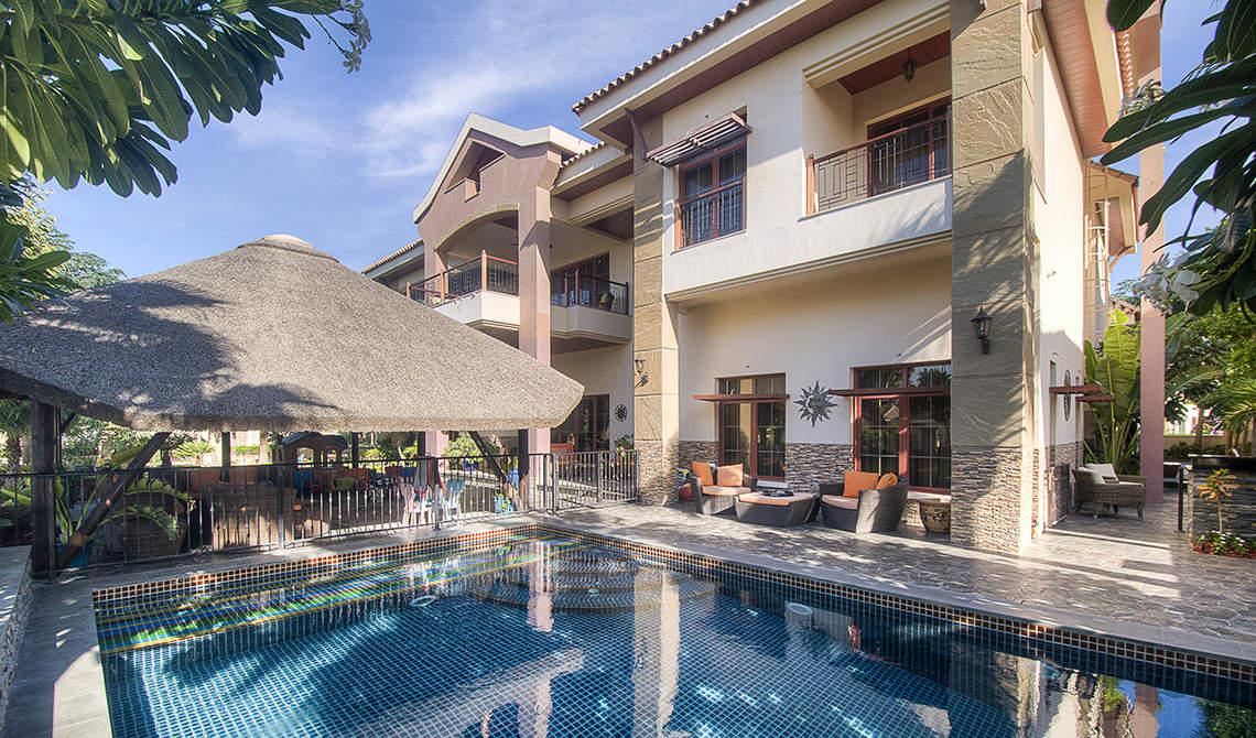 Private villa for sale in Jumeirah Islands, Dubai - 0