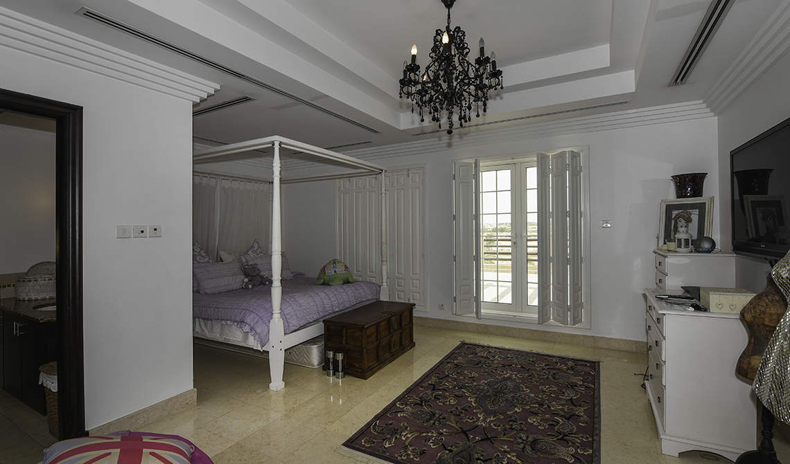 Detached villa for sale near golf course in Arabian Ranches, Dubai - 12