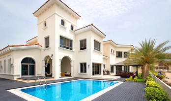 Private villa for sale on Palm Jumeirah, Dubai