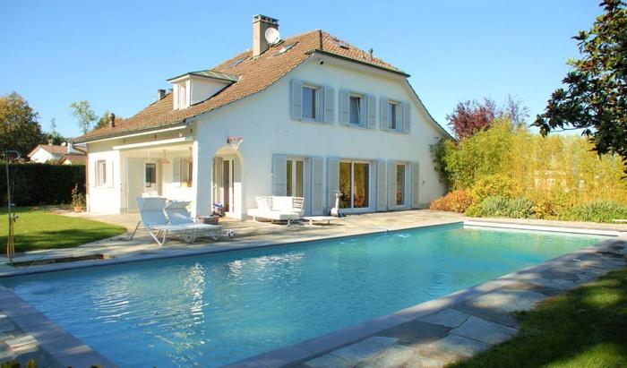 Miete: Haus,  privater Pool & privater Garten