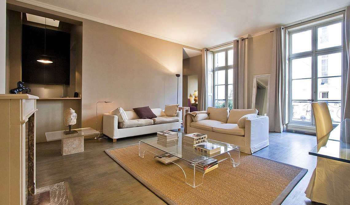 Apartment For At Place Des Vosges 3rd District Paris 0