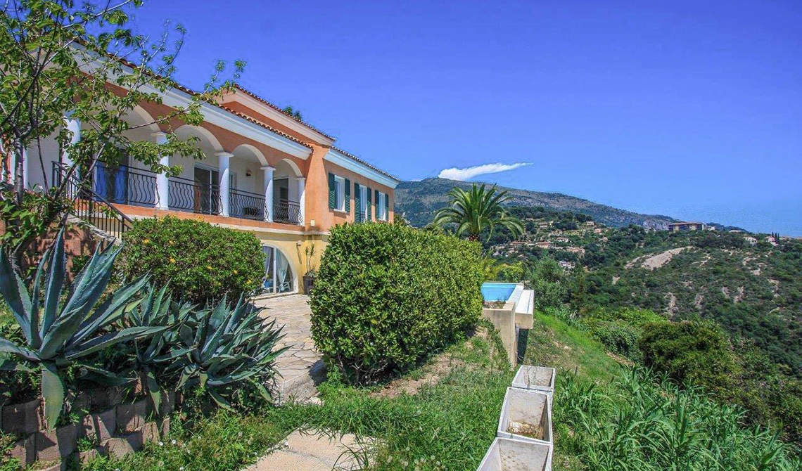 Villa for sale on a hill overlooking sea in Menton, France - 0