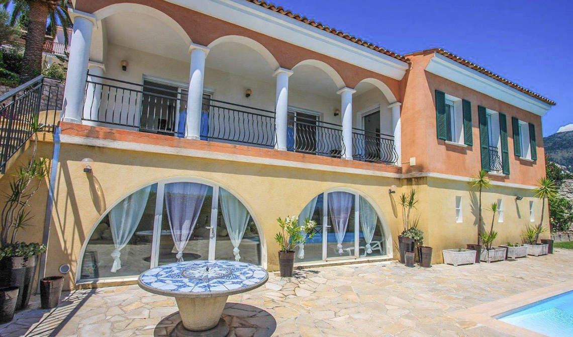 Villa for sale on a hill overlooking sea in Menton, France - 1