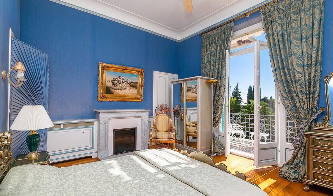 Villa for sale in Roquebrune-cap-Martin overlooking sea - 8