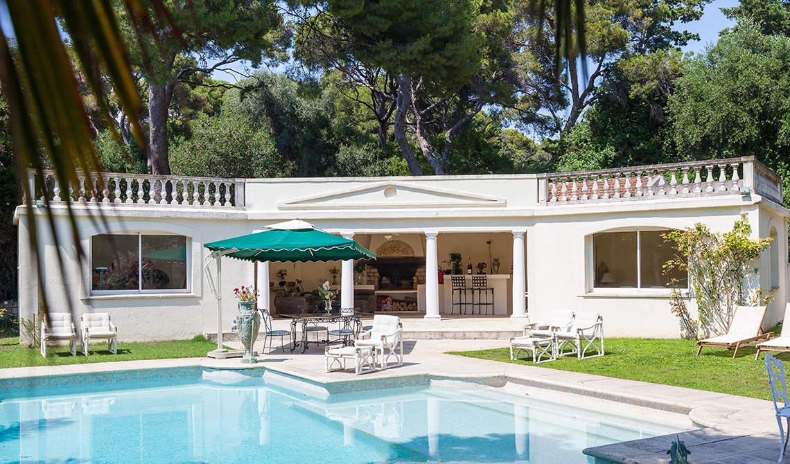Villa for sale in Roquebrune-cap-Martin overlooking sea - 1