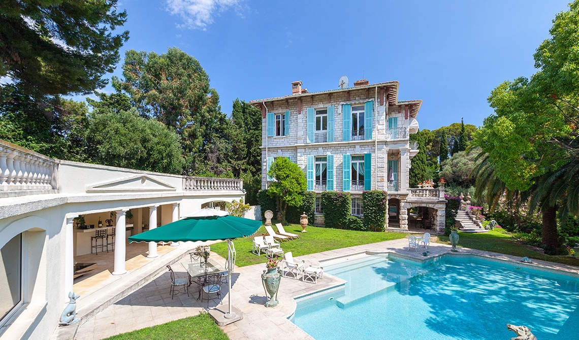 Villa for sale in Roquebrune-cap-Martin overlooking sea - 2