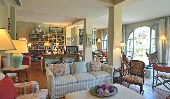 Rental villas in Livorno on the beach cheap